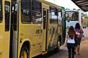 ônibus campus (Foto: Gabriela Said)