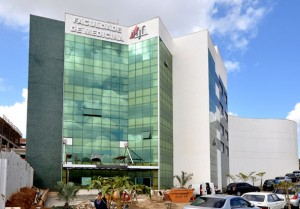 faculdade de medicina (Foto: Alexandre Dornelas)