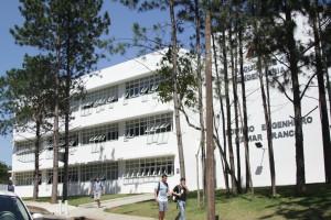 Faculdade de Engenharia (Foto: Gabi Müler)